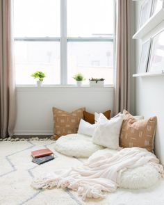 Sharing step-by-step how to create a cozy reading nook or cozy corner in your home! Choose any empty corner of your bedroom, living room, or kids playroom and get started today! Bedroom Reading Nooks, Bedroom Nook, Bedroom Corner, Bedroom Decor, Bedroom Small, Reading Nook Closet, Living Room Nook, Bedroom Wardrobe, Bedroom Modern
