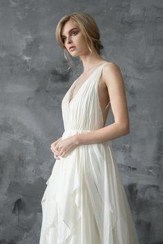 Einfache Seide und Spitze Hochzeit Kleid mit V-Ausschnitt und