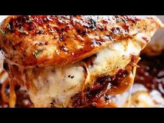 French Onion Stuffed Chicken Casserole with caramelized onions and glorious melted cheese makes a perfect weeknight or weekend dinner. Chicken Thights Recipes, Best Chicken Recipes, Recipe Using French Onion Soup, Stuffed Chicken, Baked Chicken, Onion Chicken, Chicken Casserole, Casserole Recipes, Italian Drunken Noodles
