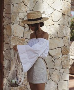 summer outfit with straw hat Holiday Outfits, Spring Outfits, Trendy Outfits, Cute Outfits, Fashion Outfits, Womens Fashion, Summer Outfit, Fashion Hair, Fashion Tips