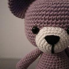 Tr3troll: MÖNSTER NALLEBJÖRN Baby Design, Crochet Toys, Presents, Beanie, Teddy Bear, Animals, Inspiration, Crochet Ideas, Crochet Animal Amigurumi