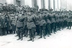 size: Photographic Print: Michael Collins (Left) as Head of the Irish Free State Army at the Funeral of Arthur… by Irish Photographer : Irish Culture, Pop Culture, Ireland 1916, Irish Free State, Irish Republican Army, Easter Rising, Michael Collins, Before The Fall, Irish Celtic