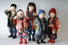 You know I don't usually care much for dolls, but these are amazing... Never seen before!