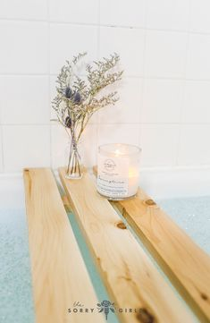 Turn your bathroom into a #spa with this DIY #bathtray ! The perfect gift for someone who needs to relax! Click through for more info!