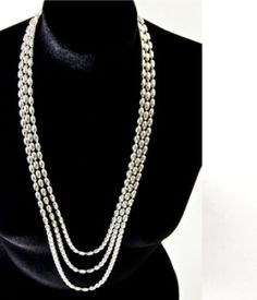 Beautiful!!!  @Gandhara Designs Mom Style, Pearl Necklace, Pearls, Chain, Beautiful, Jewelry, Design, Fashion, String Of Pearls