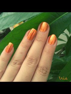 Orange/summer nails