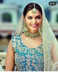Dipika Padukone, Beauty Around The World, Ethnic Dress, Indian Film Actress, Beautiful Bollywood Actress, Beautiful Hijab, Bridal Fashion, Mehendi, Indian Wear