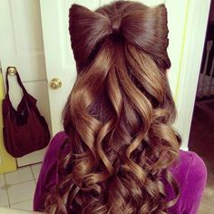I love this bow-hairstyle. It looks great with the dark shade of her hair and the waves add to the volume. Love Hair, Gorgeous Hair, Beautiful Braids, Amazing Hair, Up Hairstyles, Pretty Hairstyles, Updos Hairstyle, Style Hairstyle, Braided Hairstyles