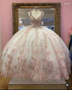 Plus Prom Dresses, Xv Dresses, Pretty Quinceanera Dresses, Old Fashion Dresses, Sweet Sixteen Dresses, Sweet 16 Dresses, Pretty Dresses, Beautiful Dresses, Quince Dresses Mexican