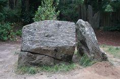 Le tombeau de Merlin l'enchanteur