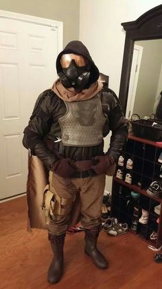 Awesome Destiny Hunter Cloak I found online. Great for cosplay or . Cosplay Armor, Epic Cosplay, Male Cosplay, Cosplay Costumes, Halloween Costumes, Cosplay Ideas, Costume Ideas, Halloween Party, Destiny Hunter Cosplay