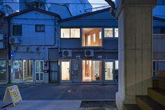 """「黄金町バザール2016」における黄金町まちプロジェクトの一環として、元違法風俗店舗、通称""""ちょんの間""""をアーティストのアトリエへと改修する計画。 「黄金町バザール」は、神奈川県横浜市中区の黄金町一帯で、アートによる街の …"""