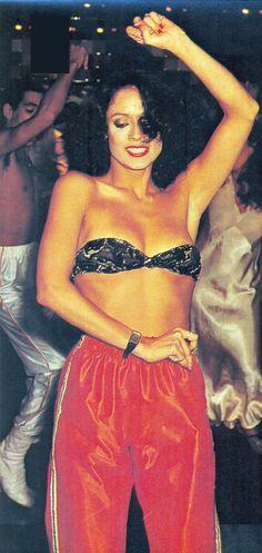 Sonia-Braga- DANCIN' DAYS – Telenovela – (1978)