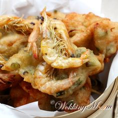 Let's get Wokking! Prawn Fritters, Chinese Breakfast, My Favorite Food, Favorite Recipes, Prawn Shrimp, Smoking Recipes, Singapore Food, Asian Recipes, Easy Recipes