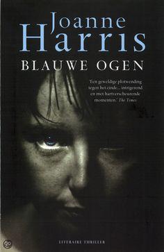 BLAUWE OGEN - JOANNE HARRIS - Er was eens een weduwe met drie zoons genaamd Zwart, Bruin en Blauw. Zwart was de oudste, humeurig en agressief. Bruin was de middelste, timide en saai. Maar Blauw was moeders lieveling. En hij was een moordenaar. B.B. is een 42-jarige man die als enige van drie broers nog thuis woont bij zijn moeder. Zijn leven speelt zich grotendeels online af,......