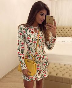 WEBSTA @ arianecanovas - {Flores by @m.aclothes } Vestido bem delicadinho da coleção nova marca!  Apaixonada pela estampa ♥️ • #ootd #selfie #lookdodia #lookoftheday #blogtrendalert