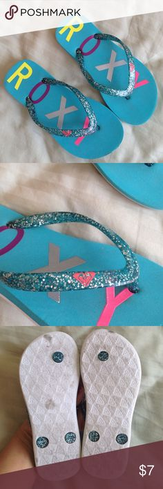Girls Roxy Thong Glitter Sandals Flip Flops Gently worn 4-5 times! Very good condition! Size 12. Pet and smoke free home! Roxy Shoes Sandals & Flip Flops