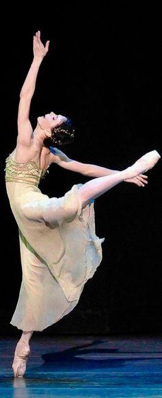 Natalia Osipova, Romeo and Juliet Ballet Beautiful, Simply Beautiful, Ballerina, Romeo Y Julieta, Ballet Images, All About Dance, Dance Legend, Russian Ballet, Sheer Beauty