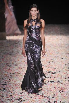 Givenchy Spring 2009 Couture Fashion Show - Isabeli Fontana (Next)