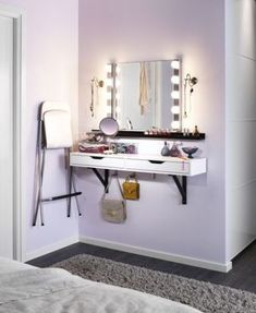 Small bedroom organization ideas ever. If you have a small bedroom, the space constraints may make it much harder to keep it harmonious and peaceful. But it is still OK which means that you need to more creative in keeping a small bedroom clutter-free. Small Bedroom Hacks, Small Space Bedroom, Small Bedroom Designs, Small Room Design, Small Bedroom Vanity, Vanity Room, Bedroom Storage For Small Rooms, Furniture For Small Bedrooms, Master Bedroom
