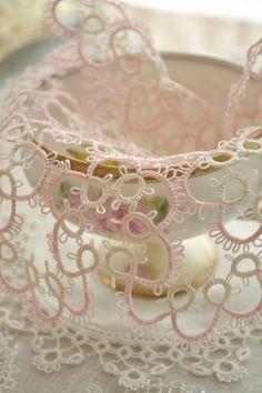 Beautiful Vintage Pink Tatting Lace Doily by Jenneliserose on Etsy