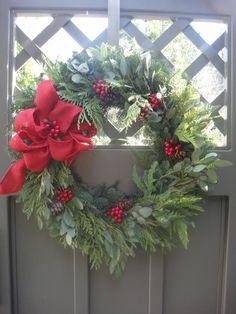 Christmas Door Wreaths, Holiday Wreaths, Wreaths For Front Door, Christmas Gifts, Christmas Decorations, Holiday Decorating, Christmas Greenery, Christmas Ideas, Merry Christmas