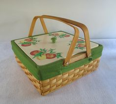 Basket Vintage Lined Covered Dish Pie Carrier Pot by HobbitHouse