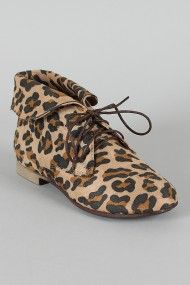 Breckelle Sandy-51 Leopard Collar Lace Up Bootie