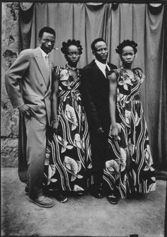 Here is some more West African style. Seydou Keita was a self taught portrait photographer from Bamako, Mali. His portraits from the . Seydou Keita, Black Love, Black Is Beautiful, Black And White, Black Art, Afro, Vintage Photographs, Vintage Photos, Photo Grand Format