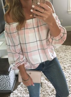 #summer #outfits Off The Shoulder And Plaid?! Yes Please  This Top Also Comes In A Blue Or Grey Plaid, On Sale For Under $60!  Katey And Her Family Are In Town So It Was Out To Dinner Tonight And Hitting The Pool Tomorrow! It's Supposed To Be 100* ☀️