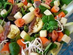 Ensalada marinera Pasta Salad, Cobb Salad, Ethnic Recipes, Arrows, Smoker Cooking, Vegetables Garden, Fruit, Sprouts, Ethnic Food