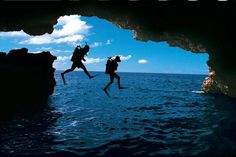 There are caves & coral reefs ready to be seen. Find your Ep!c romantic adventure when you #VisitJamaica