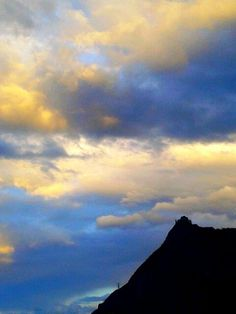 """Il """"giallo"""" della domenica sera  #myValsusa 17-04-16 #fotodelgiorno di Vincenzo Bonaudo"""