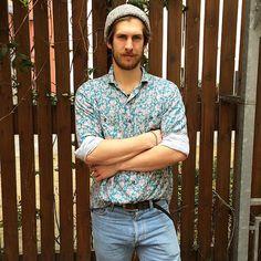 Printed menswear: Niklas from Berlin in summer florals.