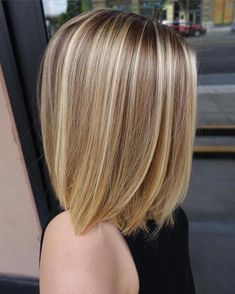 Almost forgot about this side view from a few weeks back. Cool Blonde Hair, Brown Blonde Hair, Balayage Brunette, Balayage Hair, Medium Hair Styles, Short Hair Styles, Corte Y Color, Mi Long, Great Hair