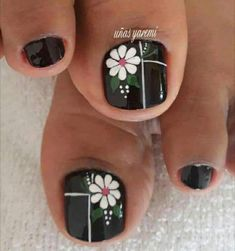 30 Gorgeous Nailart Ideas That Would Leave You Speechless - Page 3 of 3 - Style O Check Pretty Toe Nails, Cute Toe Nails, Fancy Nails, Toe Nail Color, Toe Nail Art, Toenail Art Designs, Flower Pedicure Designs, Pedicure Nail Art, Feet Nails