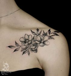 Tattoo flowers on the clavicle - tattoo & # s photo in the style of Dotwork . - Tattoo flowers on the clavicle – tattoo & # s photo in the style of Dotwork …, - Tattoo Femeninos, Clavicle Tattoo, Tattoo Dotwork, Tattoo Son, Tattoo Girls, Chest Tattoo, Back Tattoo, Body Art Tattoos, Small Tattoos