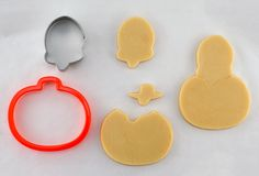 """COMPLETE INSTRUCTIONS IN MY """"HOW TO"""" BOARD.  attaching a ghost shape to a Halloween cookiehttp://www.semisweetdesigns.com/2013/09/16/add-ghost-halloween-cookies/"""