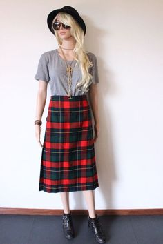 Vintage Wool KILT Tartan Skirt pleat knee length PUNK Grunge plad scotland made