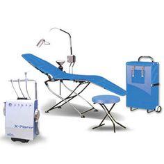 Aspirador quirúrgico con motor y deposito de desechos (Opcional).  Lámpara frontal y silla portátil.  Maneral con altura ajustable  Perilla maneral  Manómetro de presión de aire en tanque  Compresor  Llave general de aire entre otas cosas