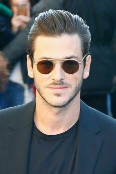 Gaspard Gaspard Ulliel, Benedict Cumberbatch, Ray Bans, Mens Sunglasses, Style, Fashion, Swag, Moda, Fashion Styles