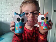 Unieke blije uiltjes gemaakt van wcrollen, papier, lijm en een héleboel creativiteit :)