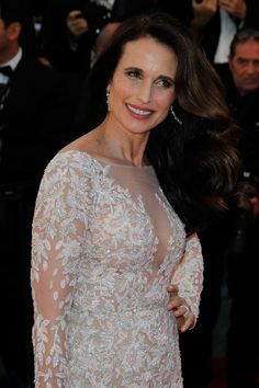 chopardredcarpet:  The gorgeous Andie MacDowell chose to wear a pair of earrings featuring pear-shaped and round-shaped diamonds set in 18-karat white gold and a ring featuring a pear-shaped diamond (3cts) set in 18-karat white gold, all from our Haute Joaillerie Collection.