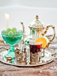 A very fresh look at the Afternoon Tea by Laksmi Photography. I love the addition of the fruit. Coffee Time, Tea Time, Cuppa Tea, My Cup Of Tea, Tea Recipes, High Tea, Drinking Tea, Afternoon Tea, Color Splash