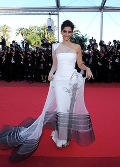 sonam kapoor... Interesting Choice...    Comment Good or Bad