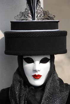 Black/white pantomime with Hat Venetian Carnival Masks, Carnival Of Venice, Dale Chihuly, Op Art, Masquerade Party, Masquerade Masks, Luis Xiv, Costume Venitien, What Lies Beneath