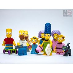 The family everyone loves to hate! plays themesong in your head  #TheSimpsons #LegoTheSimpsons  #lego #legos #toys#instatoys #toyphotography #legophotography #legominifig #legominifigure #vitruvianbrix #bricknetwork #brickmania #brickinsider #brickpals #legogram #legostagram #legoaddict #toys #toystagram#legostagram #LEGEBARN by no.frisbees