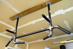 GET IN MY GARAGE! Detailed how-to for making a pull up bar at home. Would be great to go in the garage for summer workouts. Crossfit, Diy Home Gym, Garage Gym, Workout Rooms, No Equipment Workout, Fitness Equipment, At Home Workouts, Summer Workouts, Home Projects