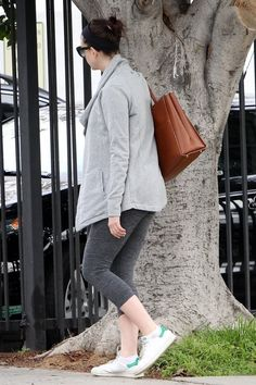Anne Hathaway leaving a gym in West Hollywood, 01/14/16