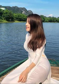 Myanmar Traditional Dress, Traditional Dresses, Most Beautiful Indian Actress, Beautiful Asian Women, Cute Girl Outfits, Sexy Outfits, Ao Dai, Sexy Asian Girls, Pakistani Dresses